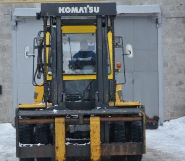 Вилочный погрузчик Komatsu FD100-8