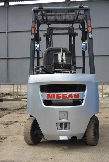 Вилочный погрузчик Nissan FG 15